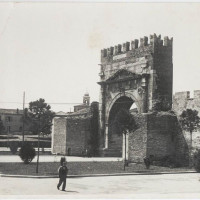 Fig. 13. A photo of the Arch of Augustus taken before the end of 1938 (source: http://www.ecomuseorimini.it/bwg_gallery/arco-daugusto/)