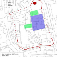 Fig. 1. Planimetry of the Upper Town of San Benedetto Del Tronto. The probable extension of the rich Roman domus (in blue) and of the production areas (in green). In red, the walls of the medieval castle.