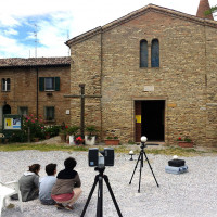 Fig. 13. Parish church of S. Apollinare in Longana (Ravenna). Students during an acquisition with the FARO laser scanner.