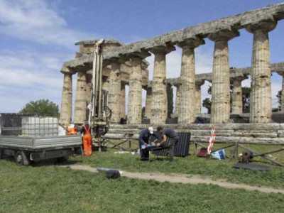 The Mound at the Temple of Athena at Paestum:  The first five Steps in the Research Design