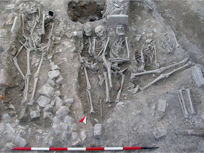 Human remains in archaeology. Excavation, recording and analysis of data: the funerary context of San Severo in Classe